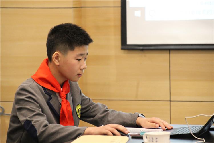 学生代表 发言.jpg